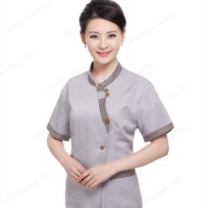 Đồng phục tạp vụ nhà hàng đơn giản nhưng không thiếu ấn tượng.