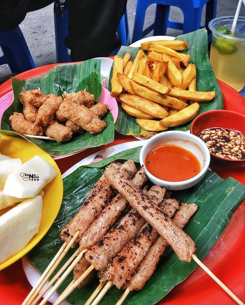 Nem nướng Ấu Triệu – Địa chỉ ăn vặt ở Hà Nội ngon